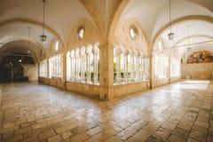 Hof der Franziskanerkirche und des Klosters, Dubrovnik, Kroatien lizenzfreies stockfoto
