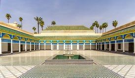 Hof des Bahia-Palastes in Marrakesch - Marokko stockfotos