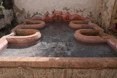 Hof des Capuchins-Klosters in Antigua in Guatemala lizenzfreie stockfotos