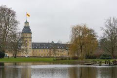Hof des Schlosses von Karlsruhe, Baden-Wü rttemberg stockbilder