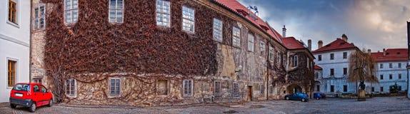 Hof in Prag Stockbilder