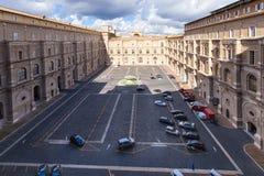 Hof in Vatikan-Museen stockfoto