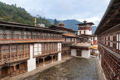 Hof von Trongsa Dzong, Bhutan lizenzfreies stockbild