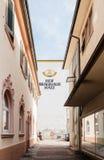 Hofbrauhaus Hatz (Hatz-Moninger)啤酒厂大厦在德国 免版税库存图片
