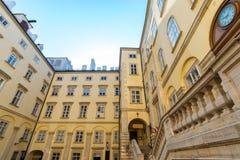 Hofburg slottschweizare påskyndar Wien Österrike September 2017 Arkivbilder
