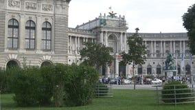 Hofburgpaleis en tuinen voor het stock videobeelden