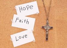 Hoffnung, Glaube und Liebe im Gott stockfotografie