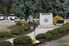 Hoffnung Mills Police Department Officer Memorial, North Carolina, NC 7. April 2018 Lizenzfreies Stockfoto