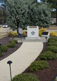 Hoffnung Mills Police Department Officer Memorial, North Carolina, NC 7. April 2018 Lizenzfreie Stockfotos