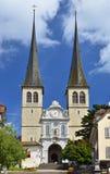 Hofkirche Kathedrale in Luzerne, die Schweiz stockbilder