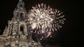 Hofkirche ou catedral dos fogos-de-artifício da trindade santamente e do feriado - igreja barroco em Dresden, Sachsen, Alemanha video estoque