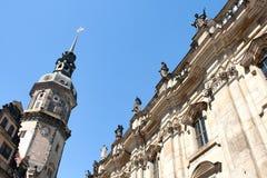 Hofkirche und Kontrollturm in Dresden, Sachsen, Deutschland stockbilder