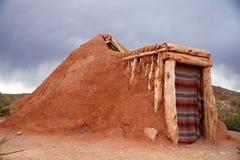 hogan房子印地安人那瓦伙族人 免版税库存图片