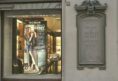 Hogan folâtre le système de chaussures en Italie Photos stock