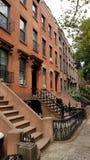 Hogar de la arenisca de color oscuro en Carroll Gardens Brooklyn Foto de archivo libre de regalías