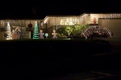 Hogar de la casa de luces de la Navidad Fotos de archivo libres de regalías