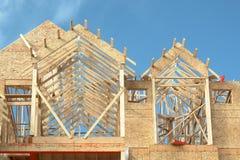 Hogar de la madera de construcción de la casa que enmarca Imágenes de archivo libres de regalías