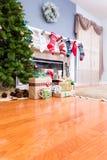 Hogar de lujo adornado en la Navidad Foto de archivo libre de regalías