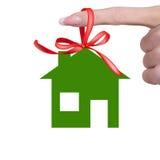 Hogar feliz verde Fotografía de archivo libre de regalías