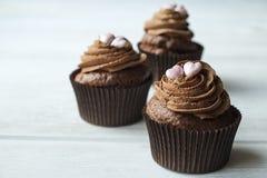 Hogar sabroso hecho dulces cocidos del mollete del cumpleaños Productos deliciosos de la panadería malos para la figura Dulces ma foto de archivo