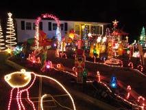 Hogar y camino de la Navidad Foto de archivo libre de regalías
