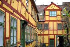 Hogares amarillos daneses, Helsingor fotografía de archivo libre de regalías