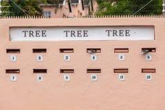 Hogares bloqueados cajas del correo de los posts Fotos de archivo libres de regalías