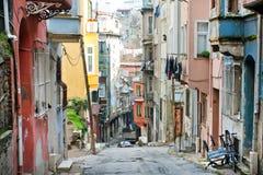 Hogares de la calle estrecha en Turquía Imágenes de archivo libres de regalías