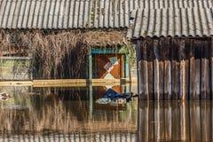 Hogares inundados imagen de archivo