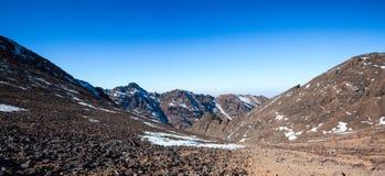 Hoge Atlasbergen Wild aardlandschap van Toubcal Stock Foto
