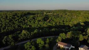 Hoge hoekluchtparade van het landschap van Pennsylvania bij zonsondergang stock videobeelden