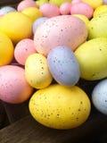 Hoge hoekmening van kleurrijke paaseieren Royalty-vrije Stock Foto's