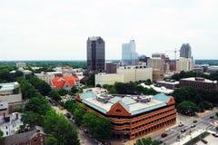 Hoge hoekmening van Raleigh de stad in Stock Foto's