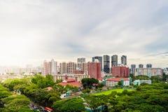 Hoge mening Singapore de stad in met de wolkenkrabbers moderne bouw Royalty-vrije Stock Fotografie