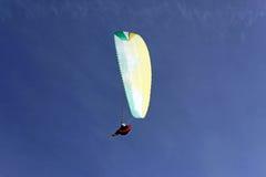 Hoge Paraglide stock afbeeldingen