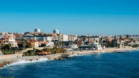 Hoge perspectiefmening van Estoril kustlijn dichtbij Lissabon in Portugal royalty-vrije stock afbeeldingen