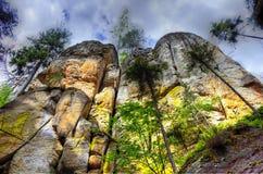 Hoge rotsen Stock Foto's