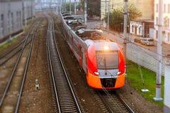 Hoge snelheids elektrische trein, spoorweg Stock Foto's