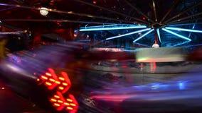 Hoge snelheids 's nachts spelen video stock videobeelden
