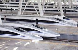 Hoge snelheidstrein, Spoorweg stock afbeelding