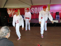 Hoge Stappende Baskische Dansers Stock Afbeeldingen