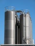 Hoge tanks zilverachtige kleur royalty-vrije stock foto's