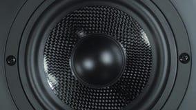 Hoge zwarte - kwaliteits het audio luide spreker trillen Hifi correct systeem sub-woofer stock videobeelden