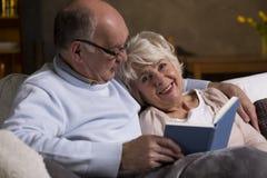 Hoger echtpaar in liefde royalty-vrije stock fotografie