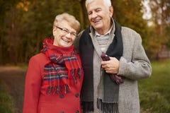 Hoger paar tijdens de herfst Royalty-vrije Stock Fotografie