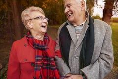 Hoger paar tijdens de herfst Royalty-vrije Stock Foto