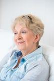 Hoger vrouw het glimlachen portret royalty-vrije stock foto
