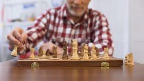 Hogere heer opleiding voor de schaakconcurrentie, die strategie, schaakmat ontwikkelen stock videobeelden