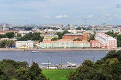 Hogere mening van Neva River in St. Petersburg Stock Foto