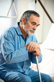 Hogere mens in het ziekenhuis Royalty-vrije Stock Afbeelding
